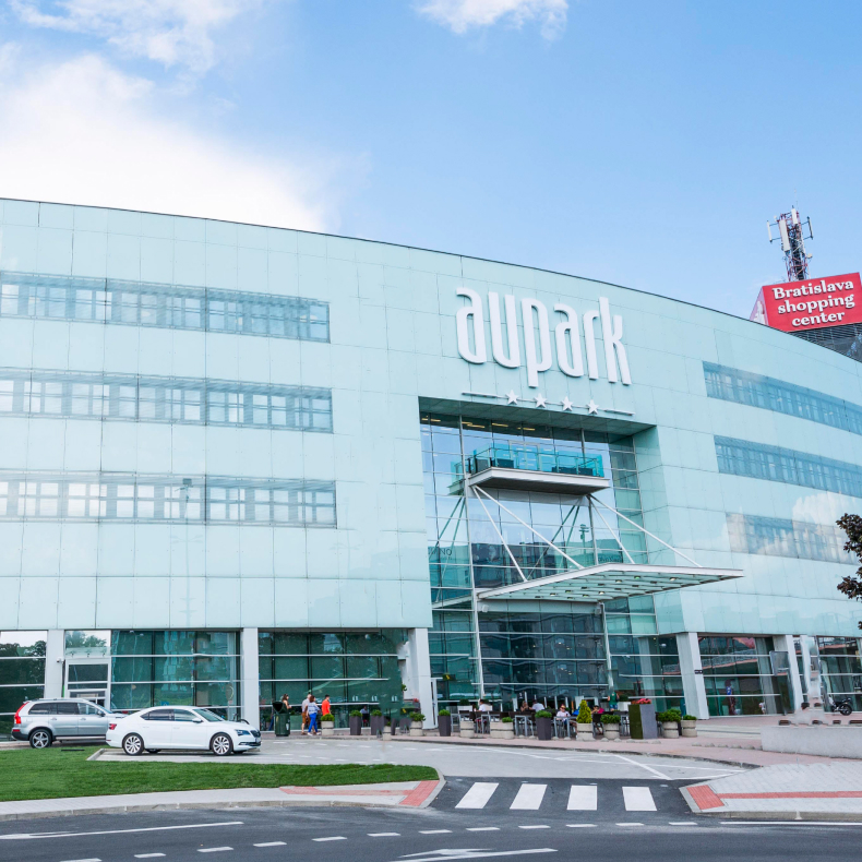 Aupark_shopping_WOOD_main