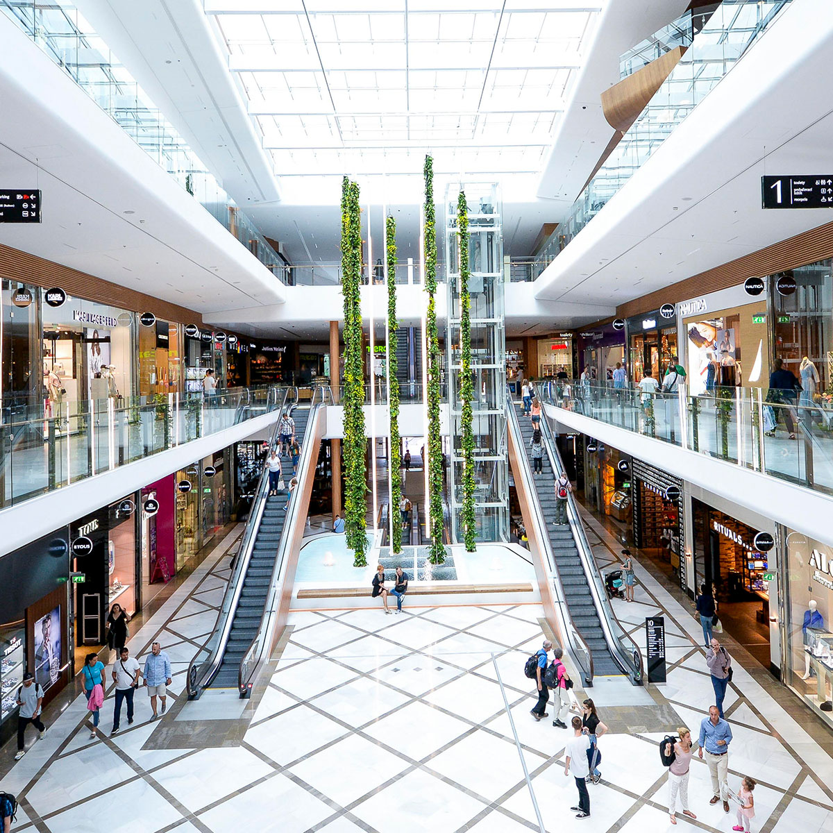 Aupark_shopping_WOOD_RE